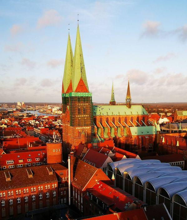 Ausblick von der Kirche St. Petri auf die Stadt Lübeck