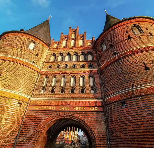 Die Sehenswürdigkeit von Lübeck: das Holstentor
