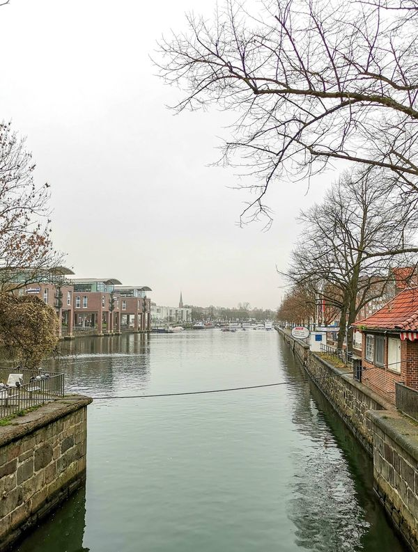 Die Trave fließt durch Lübeck