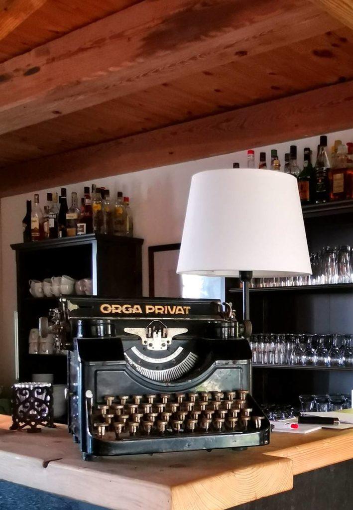 Café Beldorfer Mühle Tresen