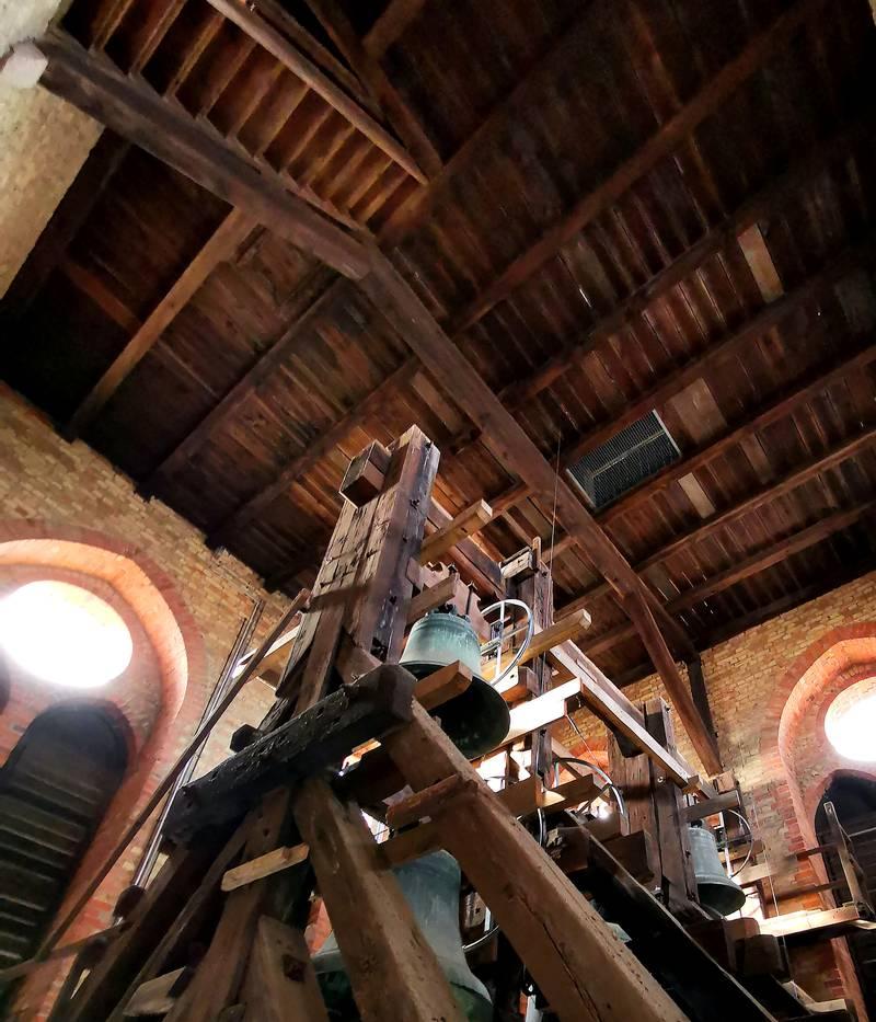 Glocke beim Aufstieg auf den irchturm Schweriner Dom