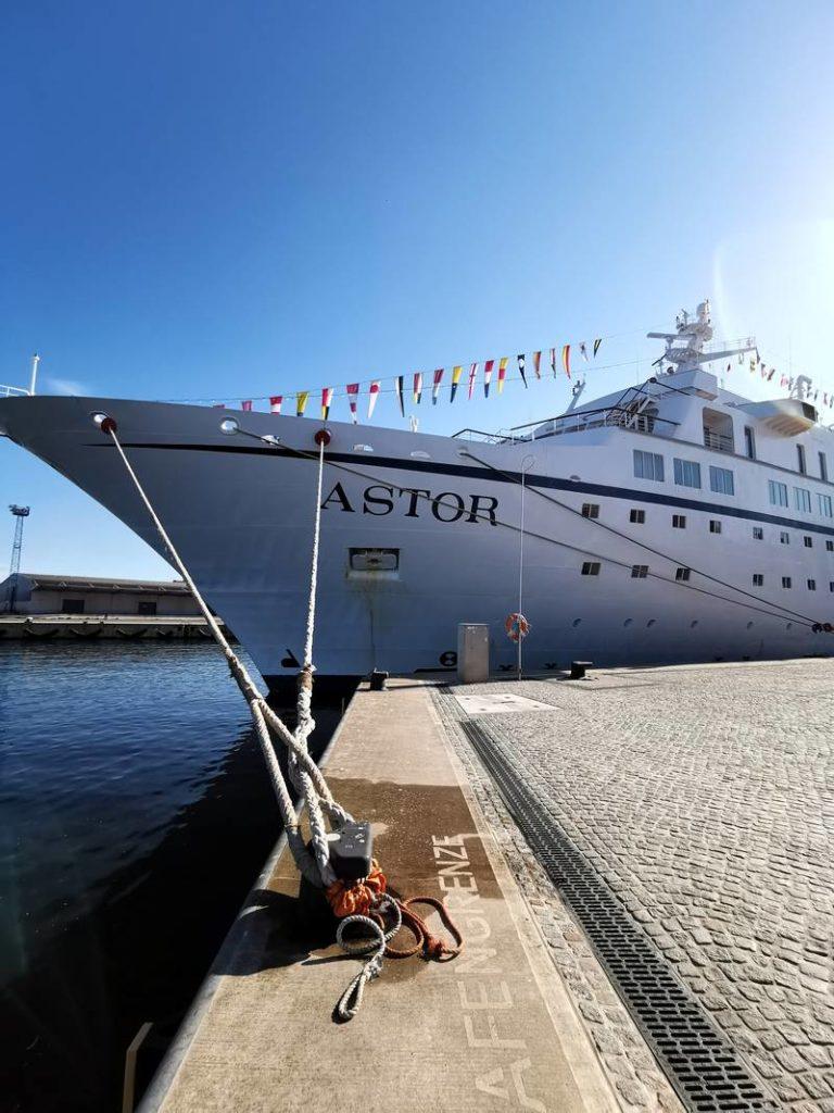 Wismar Hafen Kreuzfahrtschiff Astor